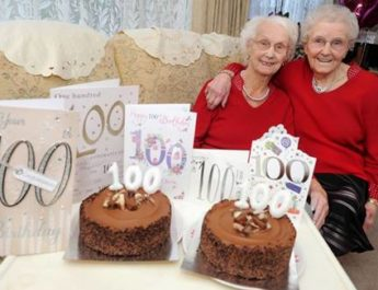 100-year-old-twins_25_11_2016