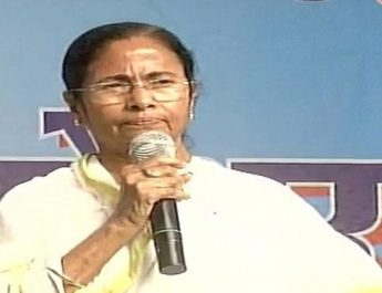 mamata-banerjee-speaking-at-a-rally-in-patna-against-demonetisation_1480498120
