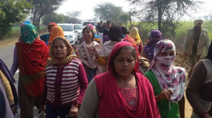 clash-in-dalit-and-jat-people-at-mirchpur-of-hisar_1485857549
