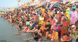 Ganga-is-considered-as-the-most-holy-and-sacred-rivers-in-India_5933ad7de7c7e