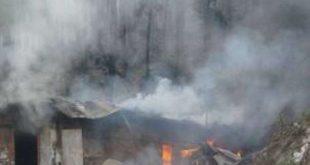 अब आग से क्षति 04 लोग विभिन्न क्षेत्रों में आग बुझाते वक्त झुलसे 54.7 हेक्टेयर क्षेत्र में दो साल के भीतर हुआ पौधरोपण खाक 585 लीसा घाव (चीड़ के पेड़ों से लीसा निकालने को किए गए घाव) आग से जले 856 पेड़ों को आग से पहुंचा नुकसान